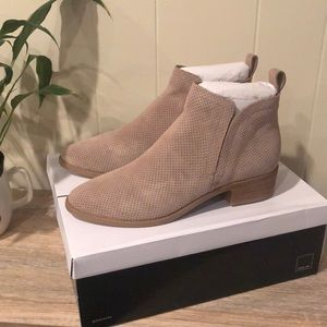 NEW in box Dolce Vita Suede Bootie